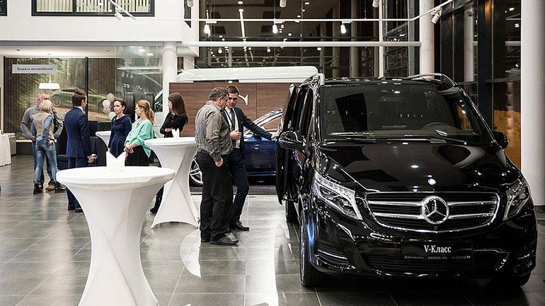 Китаянка парализовала продажи автомобилей Mercedes-Benz 1
