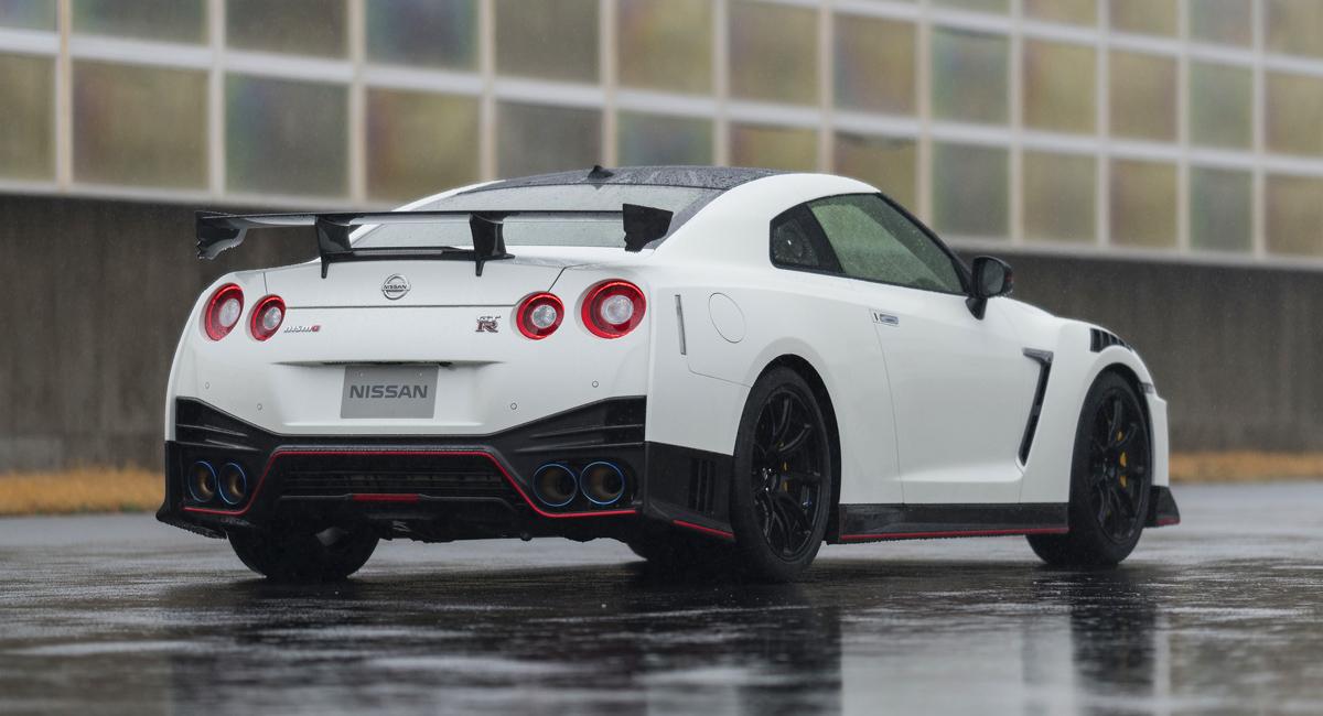 Nissan GT-R обновлен к 50-летнему юбилею 5