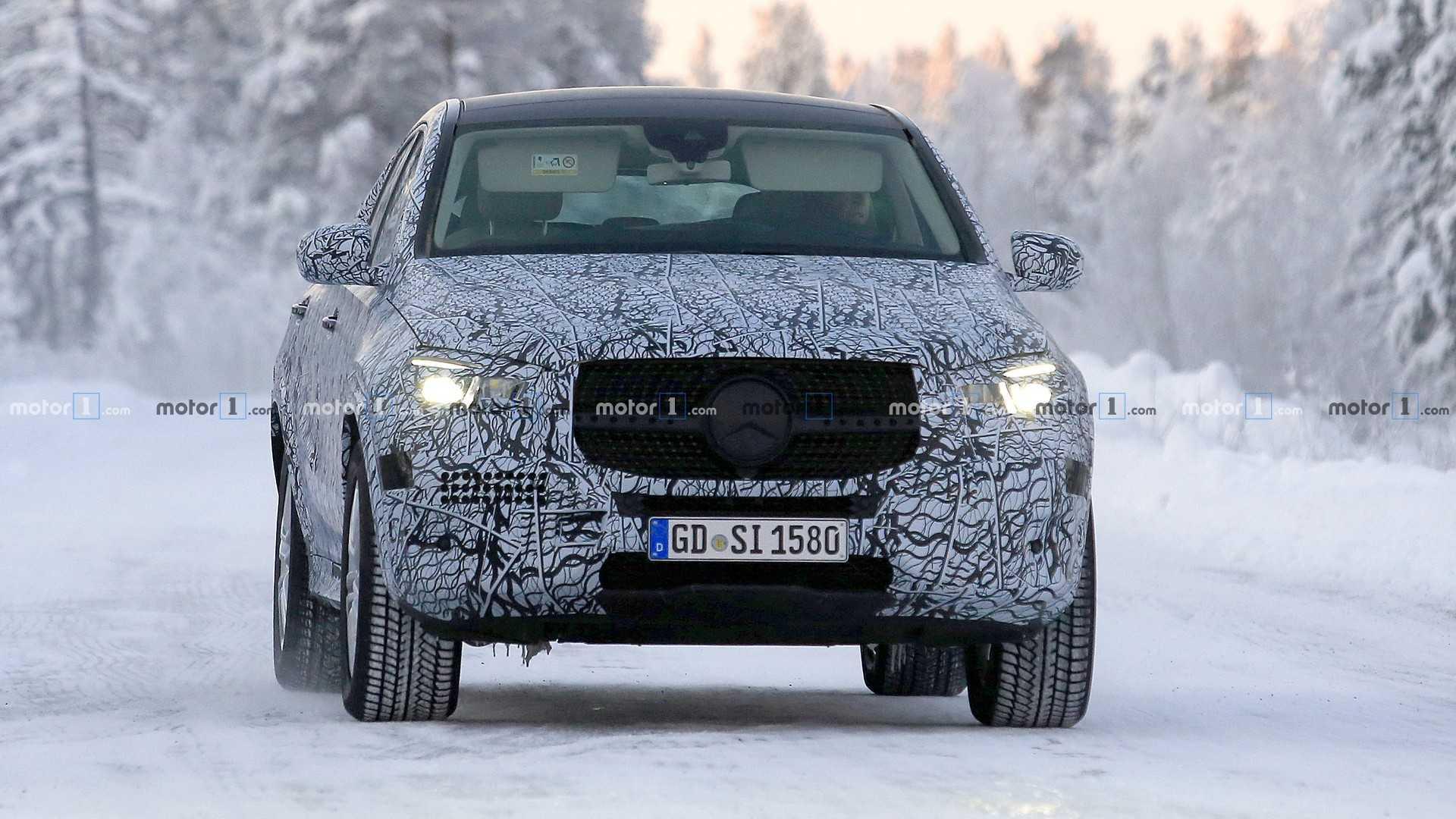 Новый Mercedes-Benz GLE Coupe застали на дорогах Германии 1