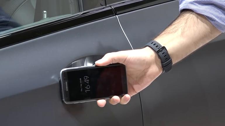 Компания Hyundai «превратила» смартфон в ключ зажигания 2