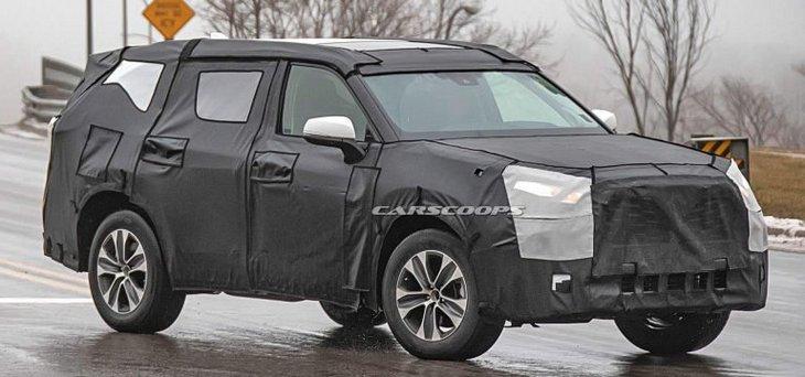 Toyota показала первый тизер нового поколения Highlander 1