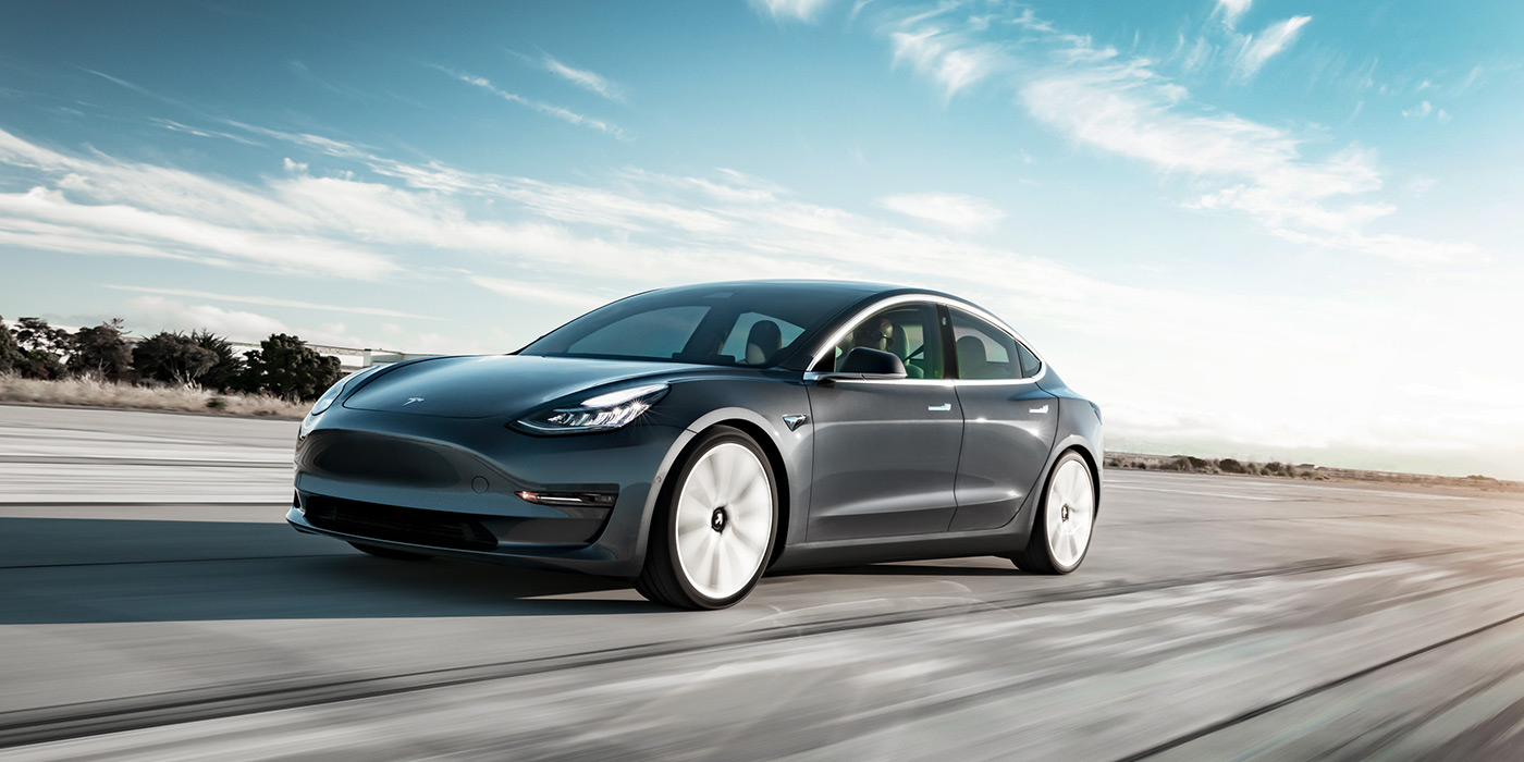 Электрокары Tesla научат объезжать ямы 1