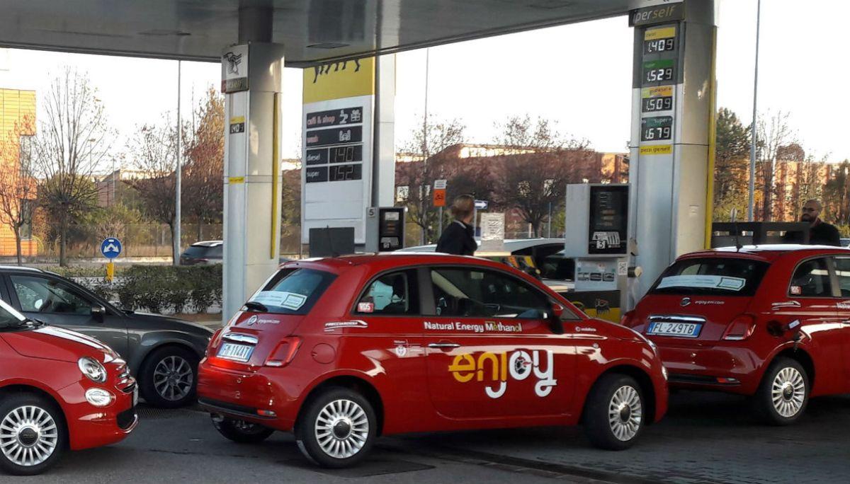 Автомобили Fiat 500 испытали новое топливо 1
