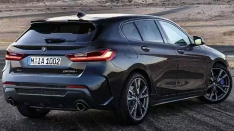 В Сети появились первые «живые» фото переднеприводной модели BMW 2