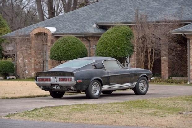 Shelby GT500, покрытый 40-летней пылью, продадут на аукционе 4