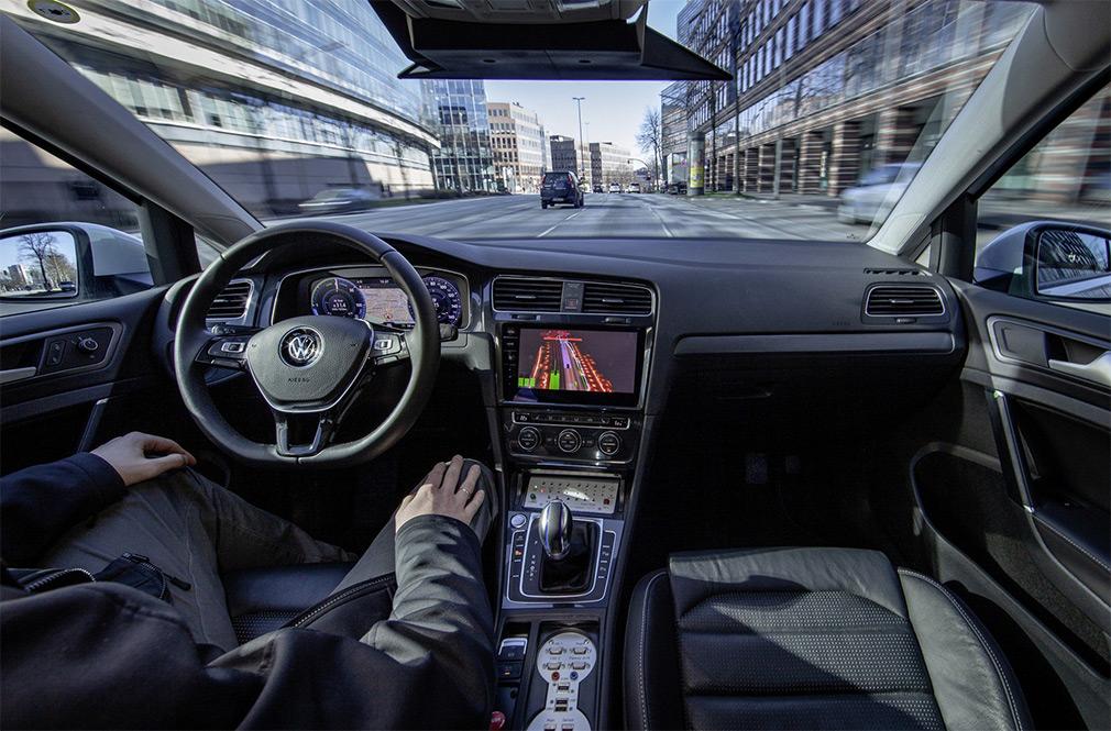 Volkswagen начал тесты автомобилей с автопилотом четвертого уровня 2