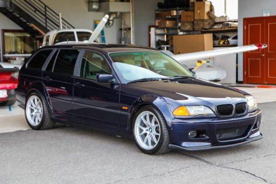 Уникальный универсал BMW хотят продать за скромную сумму 1