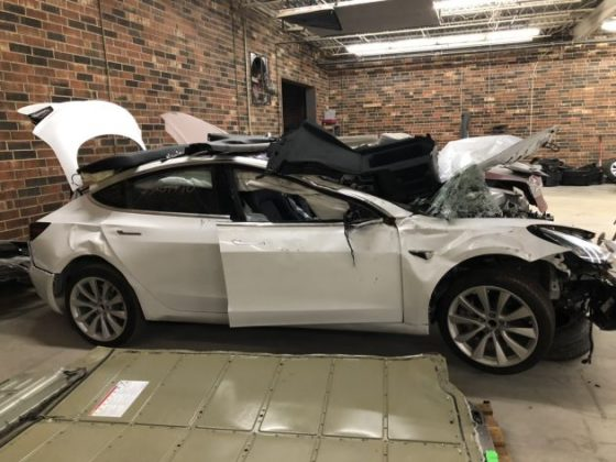 Разбитая Tesla выдала все конфиденциальные данные водителя 1