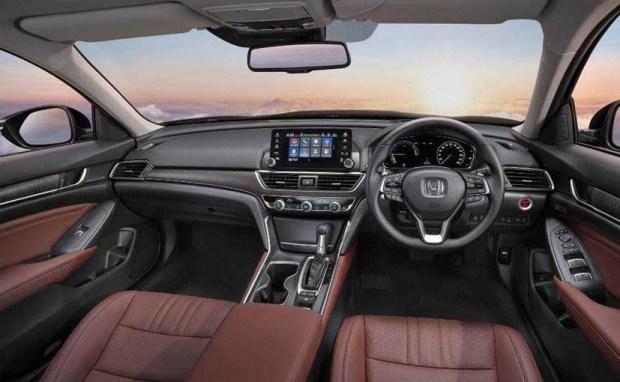 Компания Honda показала седан Accord десятого поколения 2