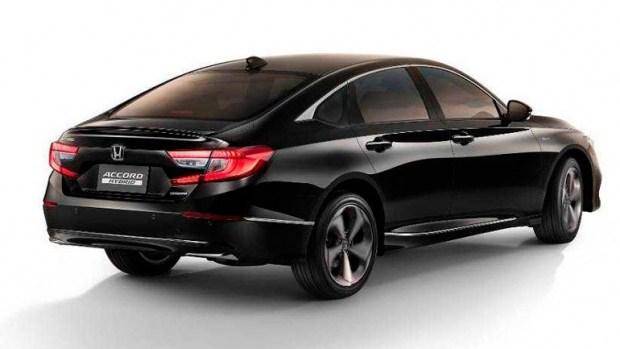 Компания Honda показала седан Accord десятого поколения 1