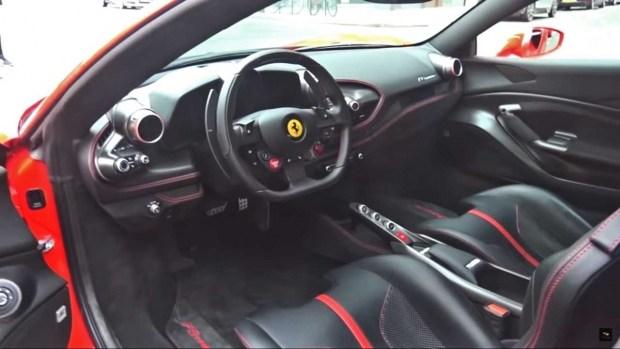 Ferrari F8 Tributo заметили на улицах Лондона 2