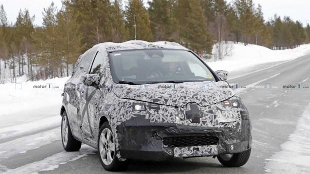 Прототип новой Renault Zoe попал в объективы шпионских камер 1
