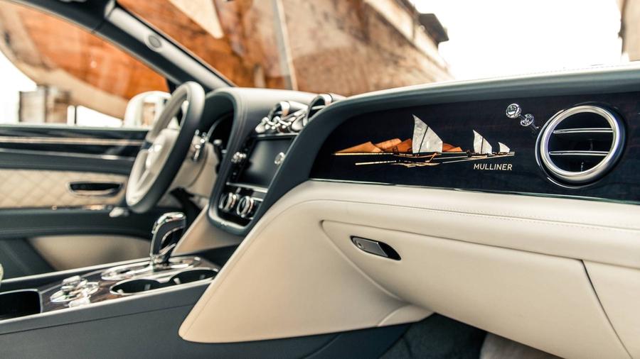 Bentley выпустила Bentayga c «перламутровым» салоном 2