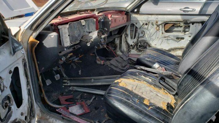 Редкий Ford Mustang Cobra нашел приют на свалке 4