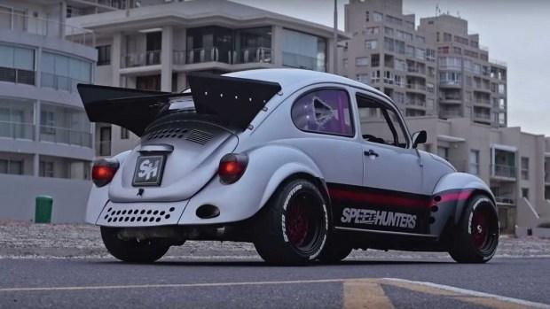 Необычный тюнинг малыша Volkswagen Beetle 3