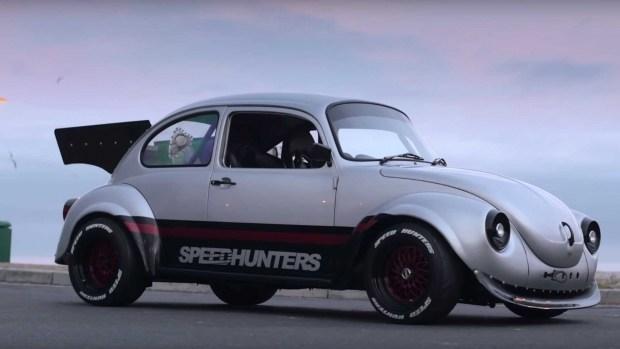 Необычный тюнинг малыша Volkswagen Beetle 1