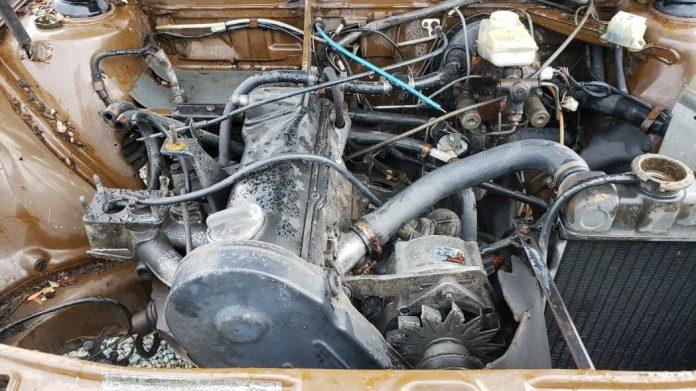 Редкий седан Audi раскопали на одной из автосвалок 4