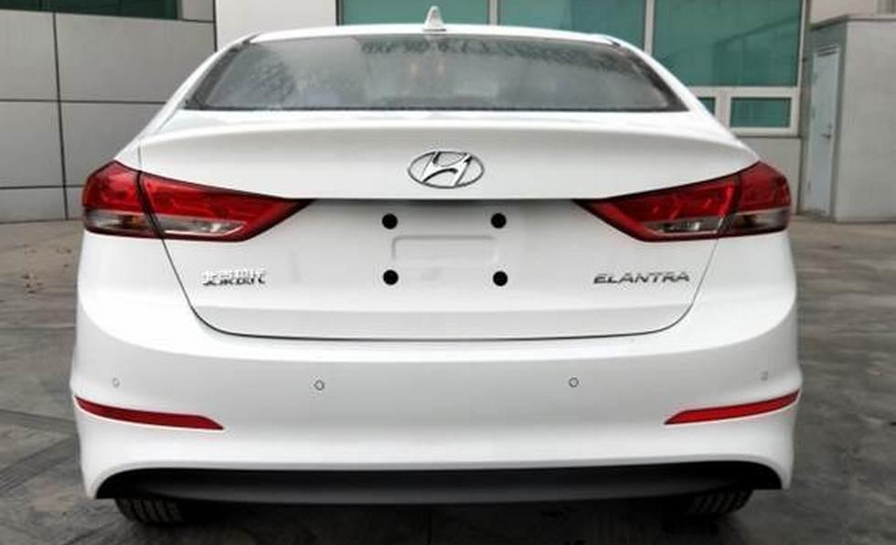 Hyundai Elantra будет оснащаться новым мотором 1