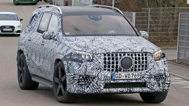 Новейший Mercedes-AMG GLS 63 получит новый 4-литровый мотор 1