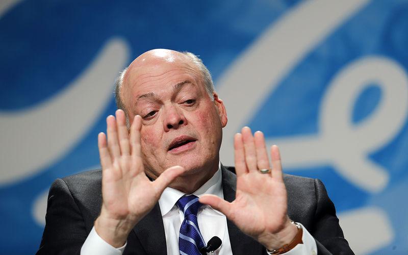 Зарплата главы Ford — $17,7 млн в год, но сокращает он рабочих 1