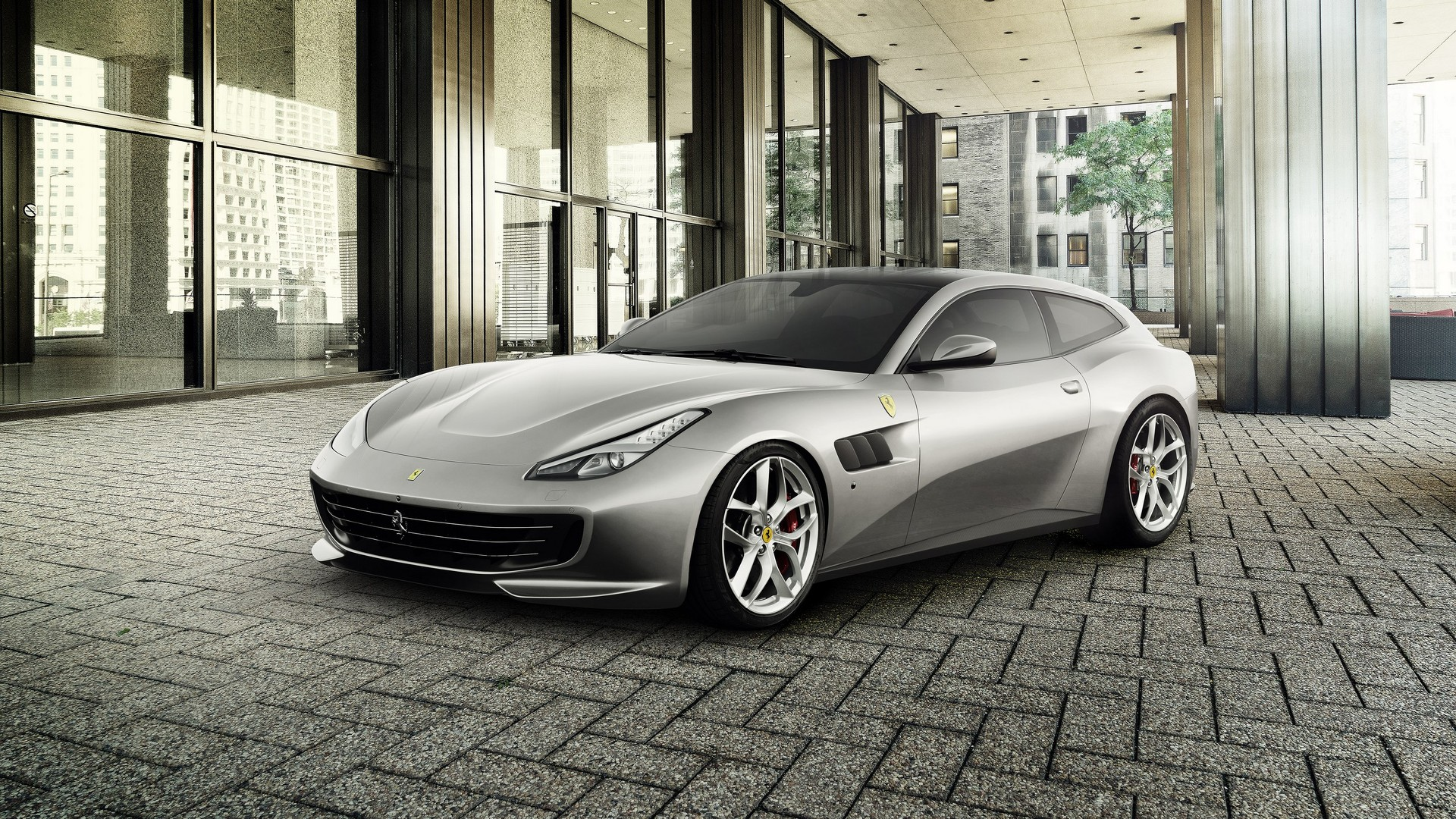 Ferrari отзывает машины из-за риска возгорания и дефекта дверей 1