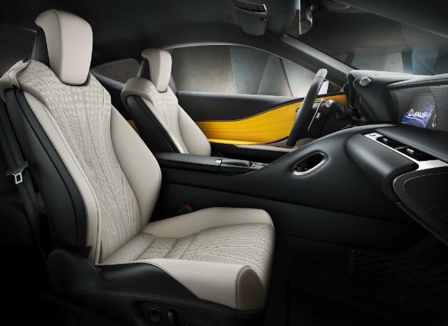 Lexus объявил старт продаж ярко-желтого спорткупе LC 500 2