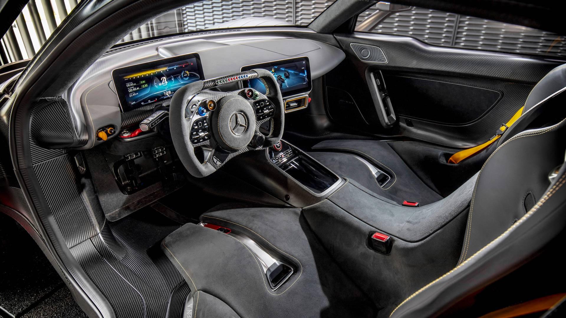 Все модели Mercedes-AMG станут подключаемыми гибридами 2