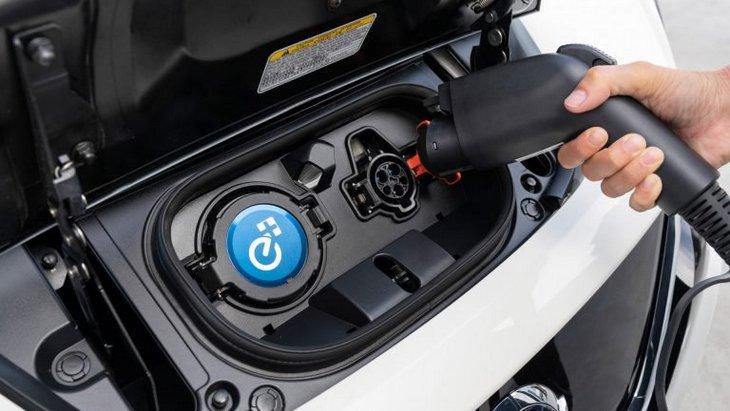 Цены на обычные автомобили и электромобили выровняются через пять лет 1