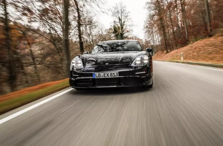 Porsche получила 20 тысяч предзаказов на электрический Taycan 1