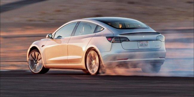 Когда на европейском рынке появится дешевая версия Tesla Model 3 1