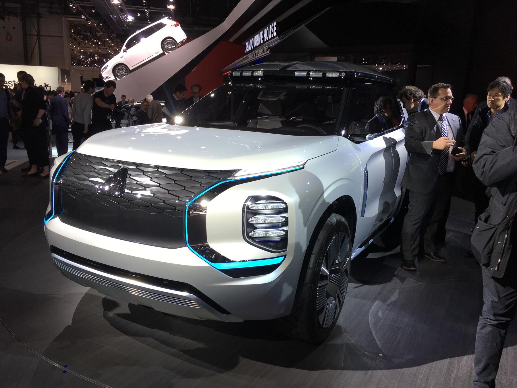 Таким будет новый Mitsubishi Outlander на шасси Nissan 1