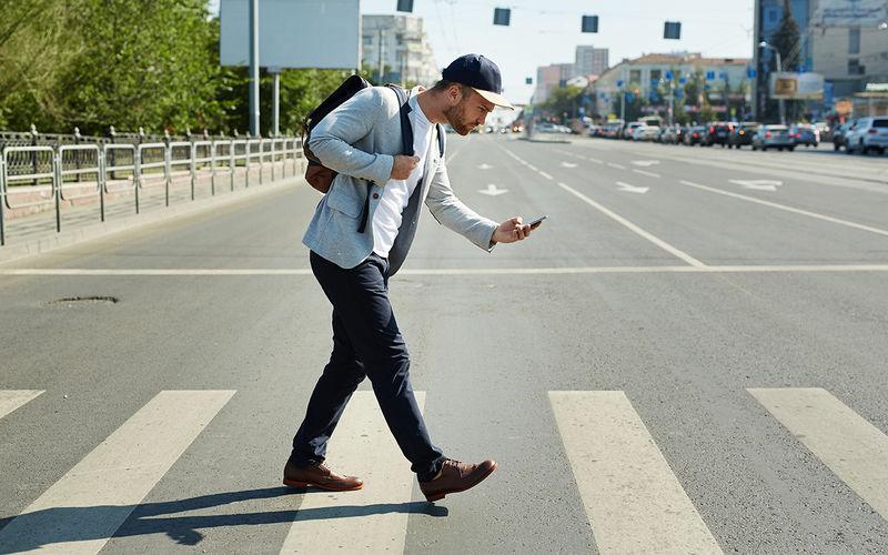 Смертность среди пешеходов возросла из-за смартфонов и внедорожников 1