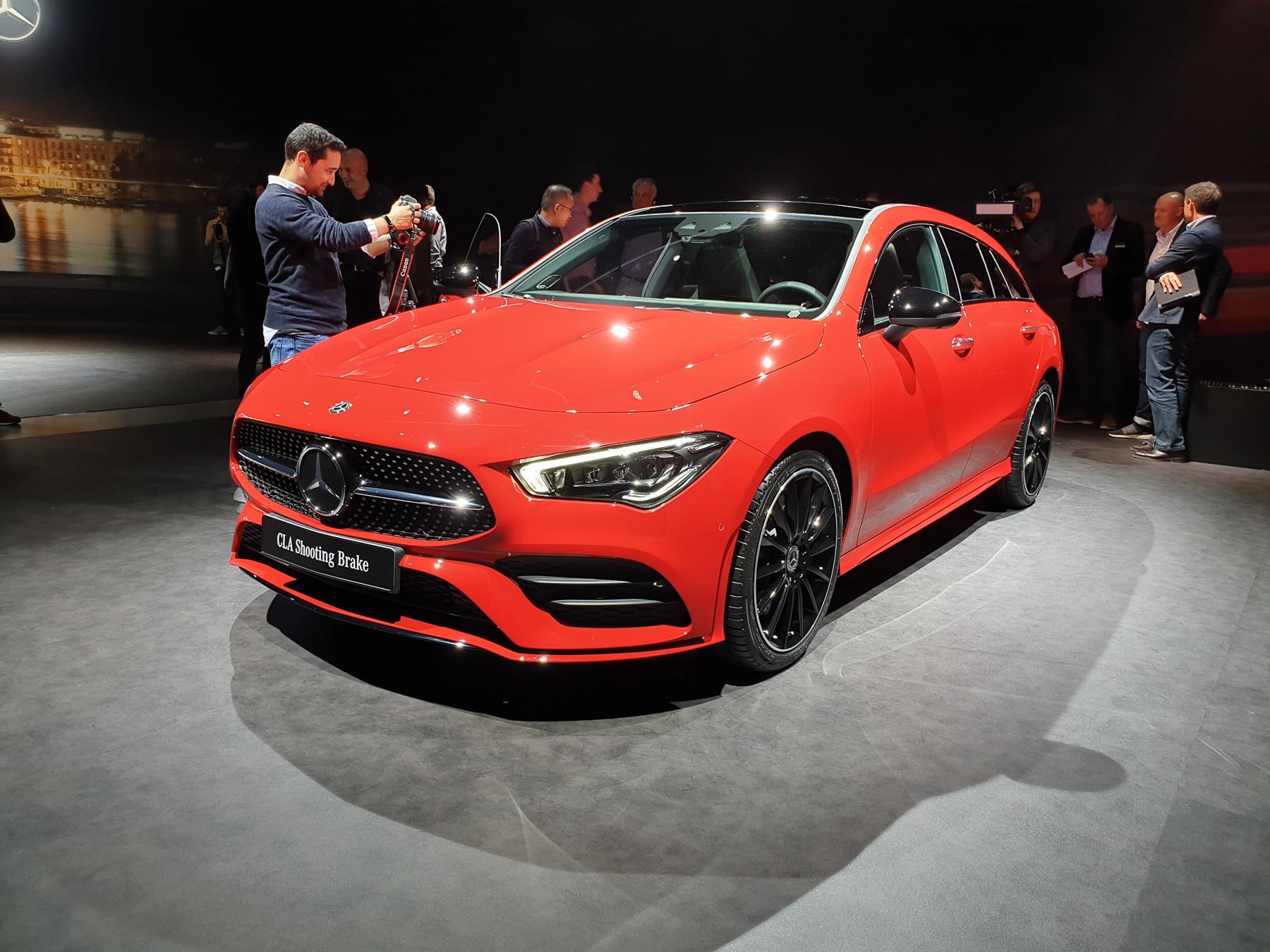 Mercedes-Benz неожиданно показал маленький, но красивый «сарай» 2