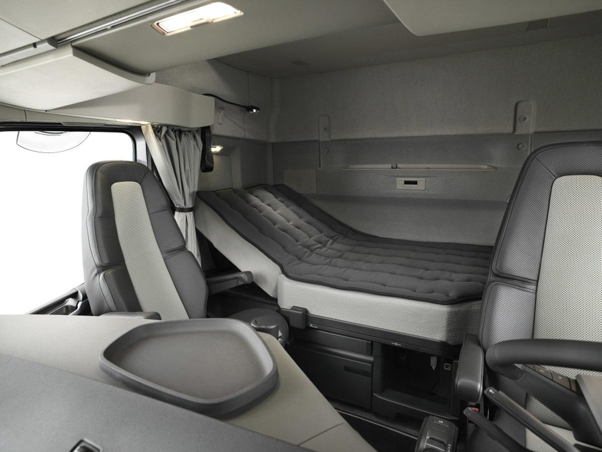 Volvo представила спальник-мечту дальнобойщика 1