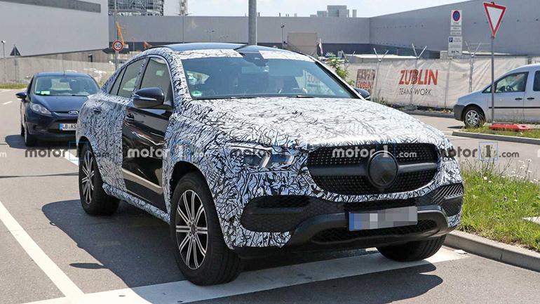 Mercedes-Benz снимает камуфляж с GLE Coupe 1