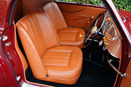 В США продадут самый первый спорткар Феррари 2