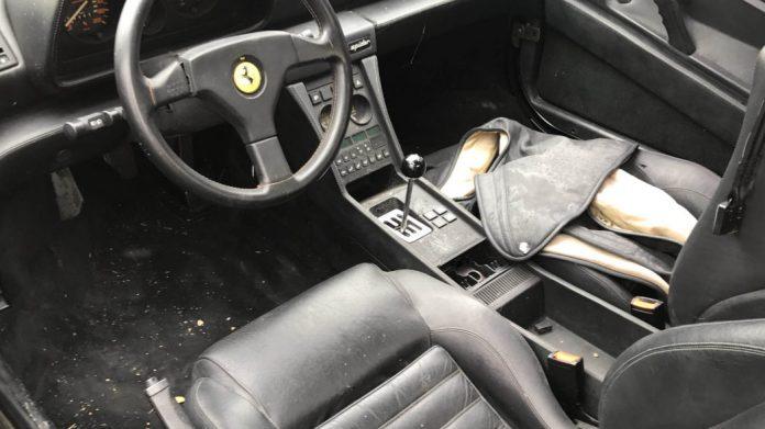 В поле нашли коллекцию брошенных классических Ferrari 3