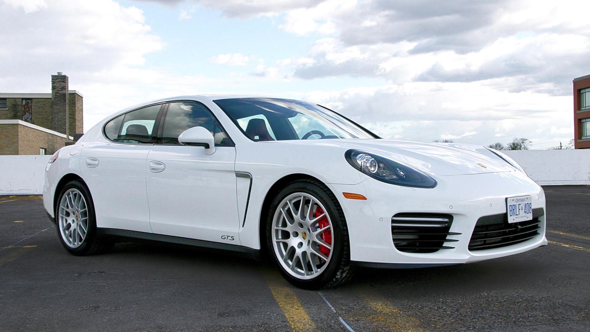 В Porsche сообщили про отзыв тысячи авто в Украине 2