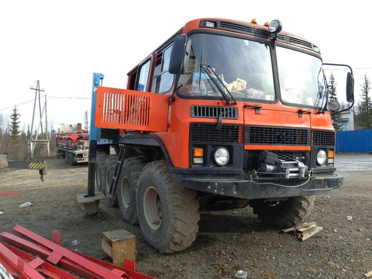 Автобус ПАЗ скрестили с трактором 1