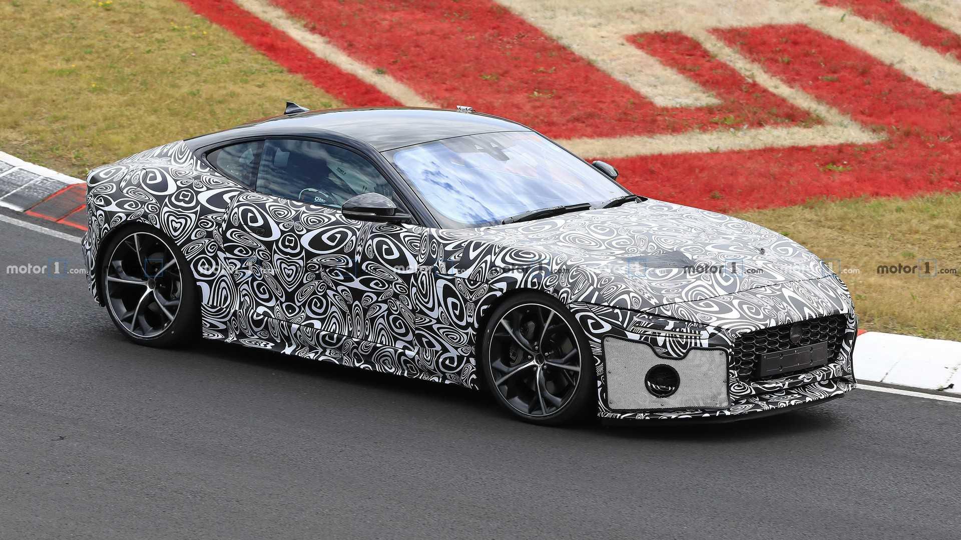 Jaguar начал тесты обновлённого F-Type 1