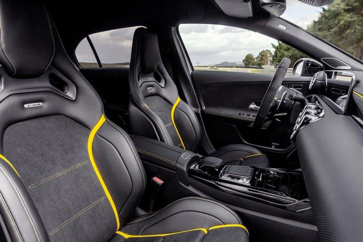 Mercedes представил AMG A 45 и AMG CLA 45 4