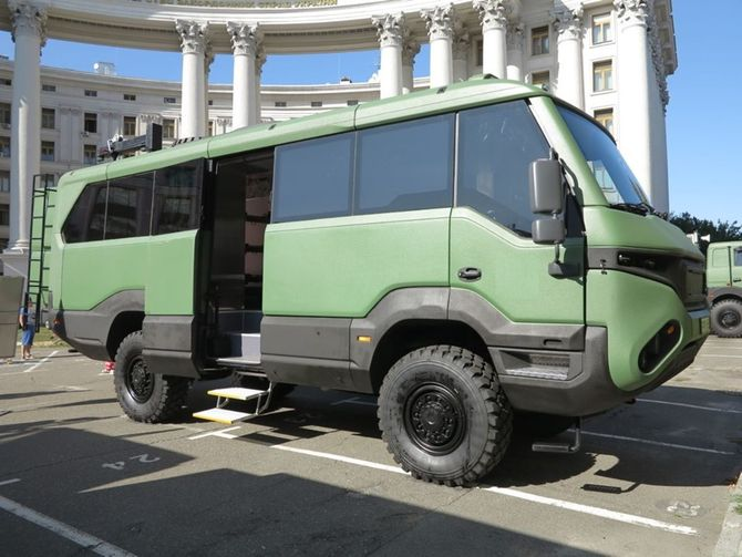 Украинские пограничники получат уникальные автобусы 4х4 1