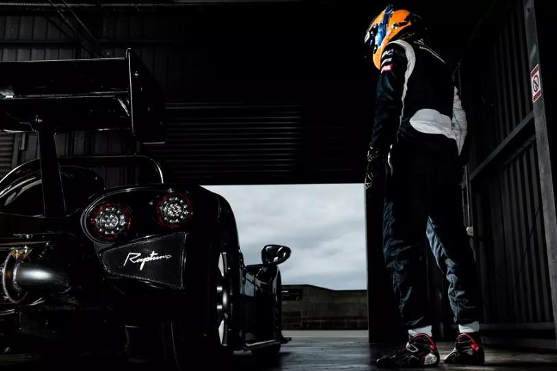 Создатель гоночных спортпрототипов Radical выпустит суперкар для обычных дорог 1