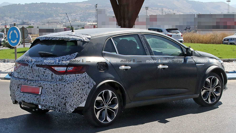 Тестовый Renault Megane был замечен на улицах Испании 2