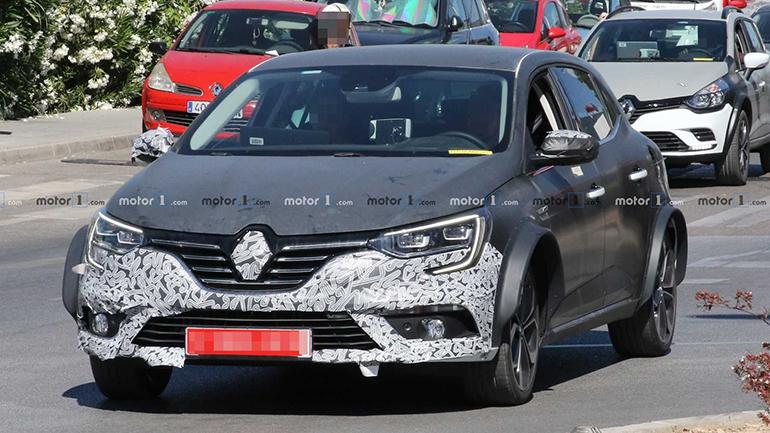 Тестовый Renault Megane был замечен на улицах Испании 1