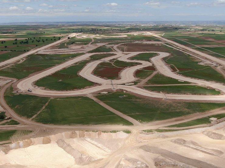 В полях Испании строят огромный испытательный автополигон за 60 млн евро 1
