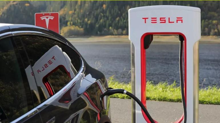 Tesla втихую работает над аккумуляторами 1