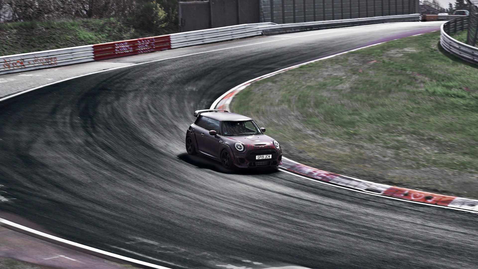 Mini John Cooper Works GP бьет рекорды «Северной Петли» 1