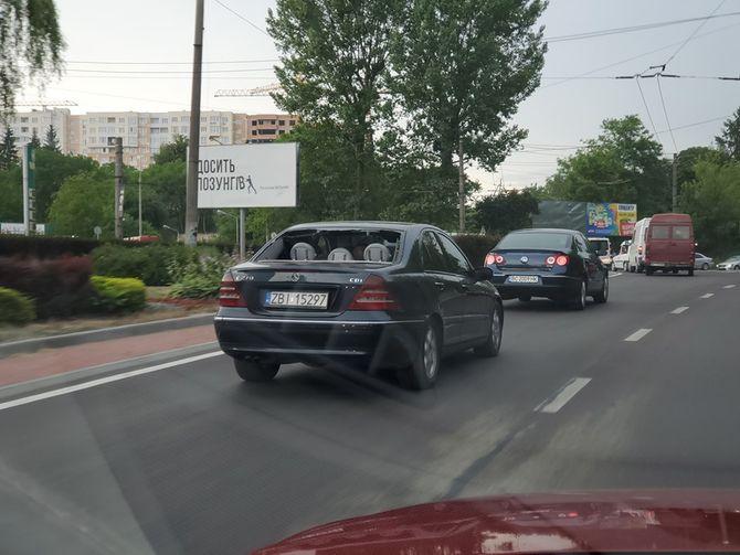На авто на еврономерах стали ездить даже без стекол 1