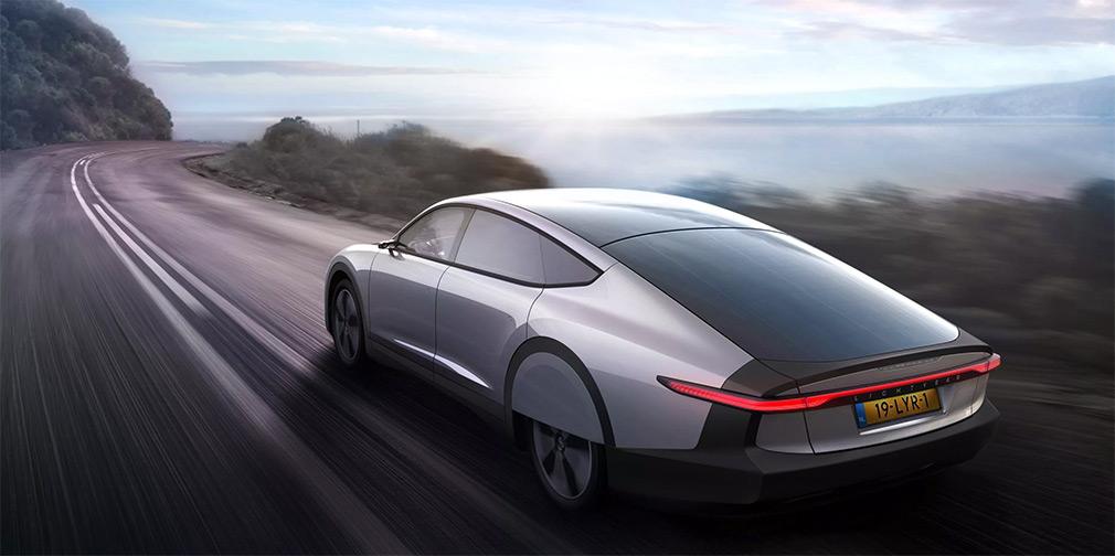 Голландцы показали автомобиль на солнечных батареях с запасом хода 725 км 1